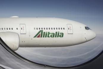 EI-DBM - Alitalia Boeing 777-200ER