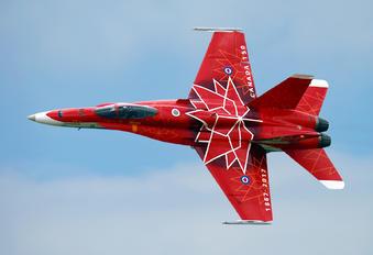 188734 - Canada - Air Force McDonnell Douglas CF-188A Hornet