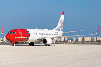 EI-FHY - Norwegian Air International Boeing 737-800