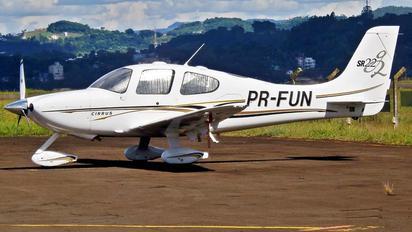 PR-FUN - Private Cirrus SR-22 -GTS