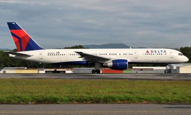 N686DA - Delta Air Lines Boeing 757-200