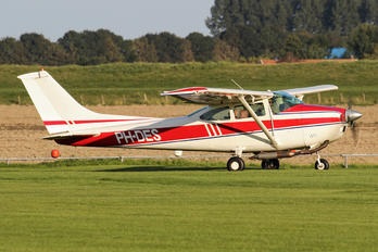 PH-DES - Private Cessna 182 Skylane (all models except RG)