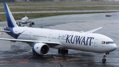 9K-AOJ - Kuwait Airways Boeing 777-300ER