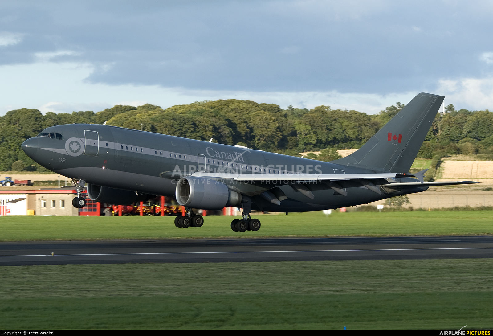 Canada - Air Force 15002 aircraft at Prestwick