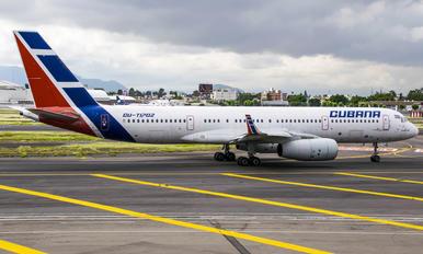 CU-T1702 - Cubana Tupolev Tu-204