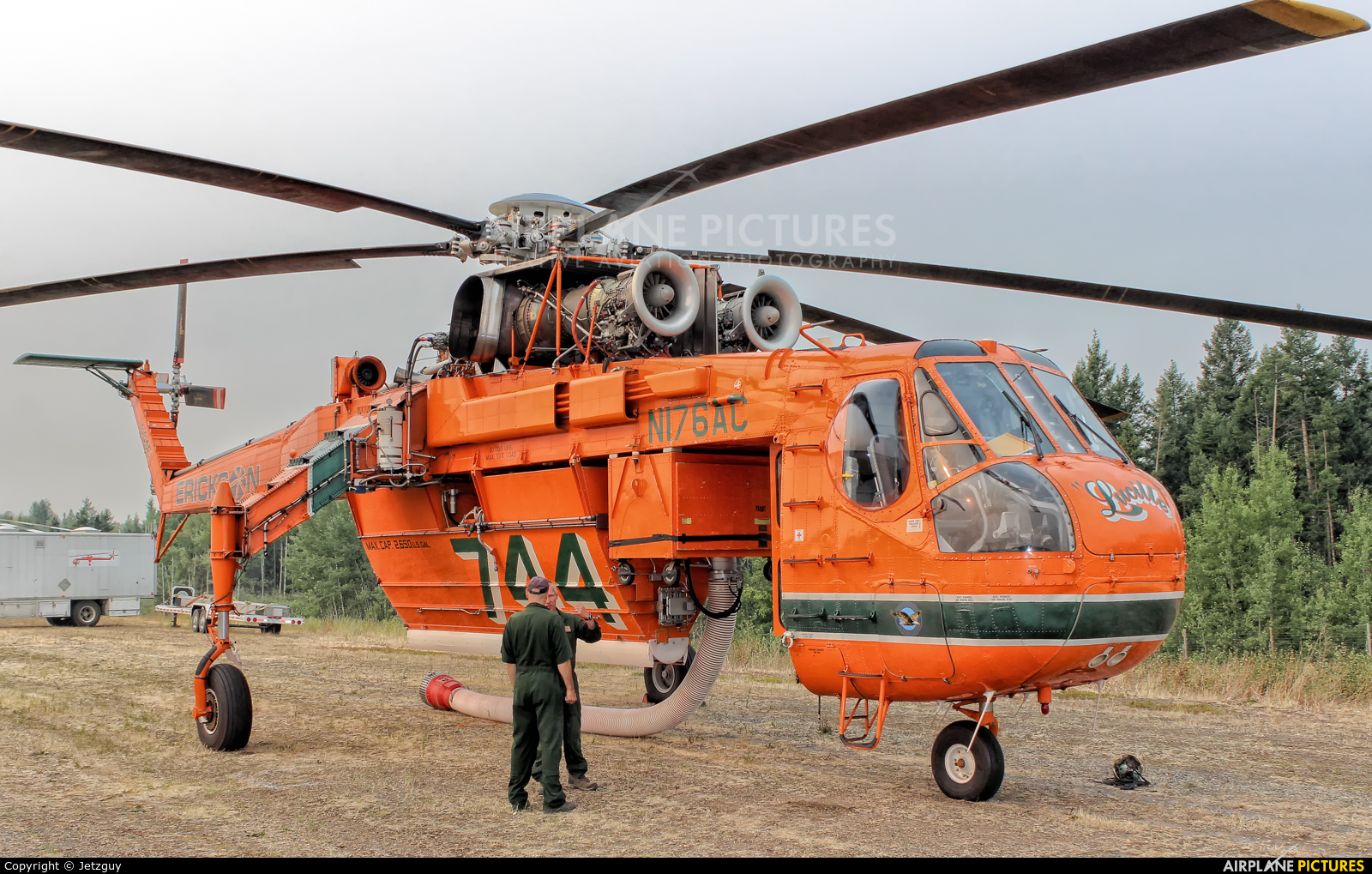 Erickson Air-Crane N176AC aircraft at 108 Mile Ranch, BC