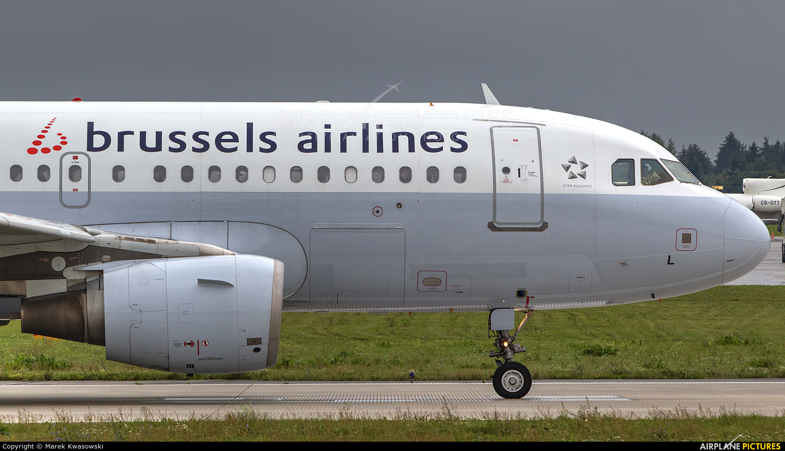 Brussels Airlines OO-SSL aircraft at Warsaw - Frederic Chopin