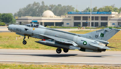 01-803 - Pakistan - Air Force Chengdu F-7PG