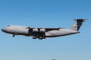Rare visit of Lockheed C-5M Galaxy to Richmond after landing gear's failure title=