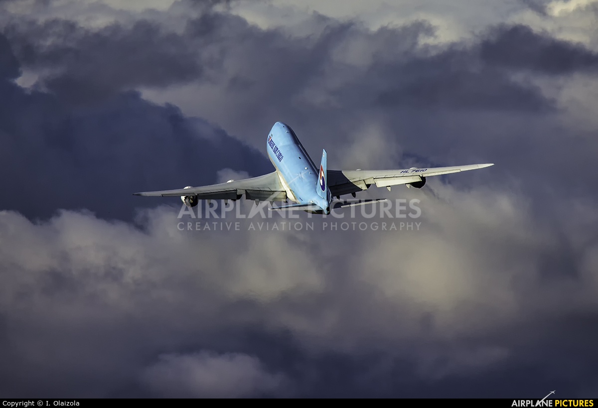 Korean Air Cargo HL7610 aircraft at Zaragoza