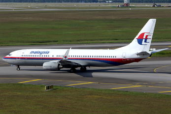 9M-MLH - Malaysia Airlines Boeing 737-800