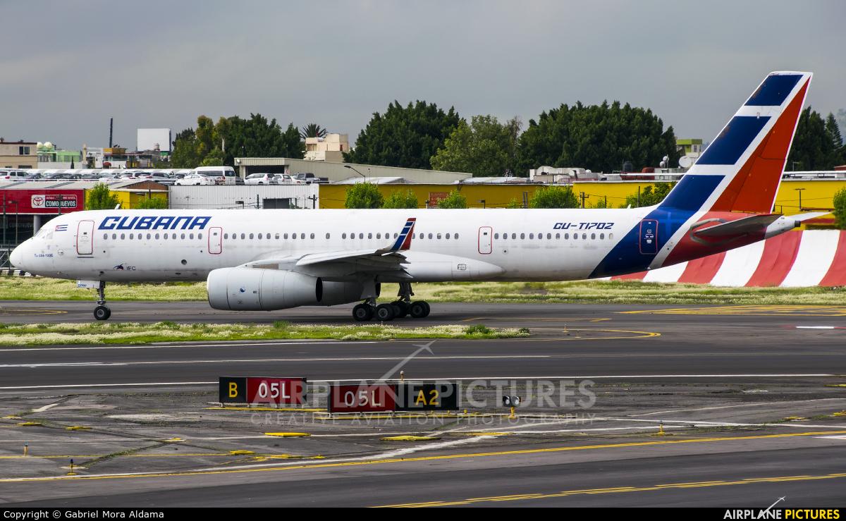 Cubana CU-T1702 aircraft at Mexico City - Licenciado Benito Juarez Intl