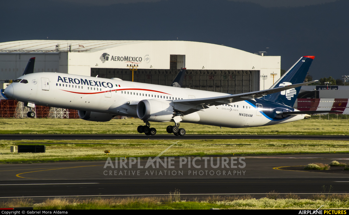 Aeromexico N438AM aircraft at Mexico City - Licenciado Benito Juarez Intl