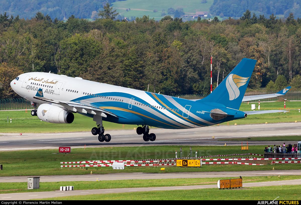 Oman Air A40-DG aircraft at Zurich