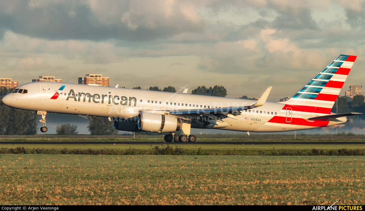 American Airlines N198AA aircraft at Amsterdam - Schiphol