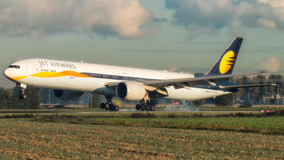 VT-JES - Jet Airways Boeing 777-300ER