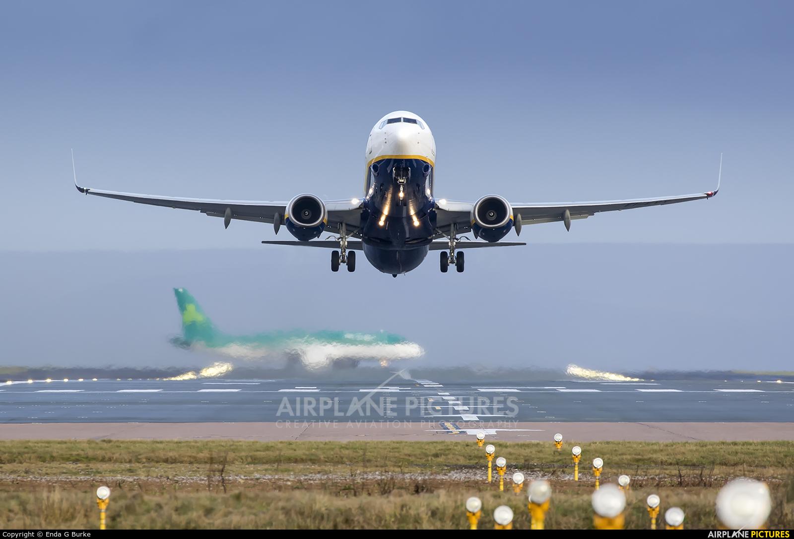 Ryanair EI-EVX aircraft at Manchester