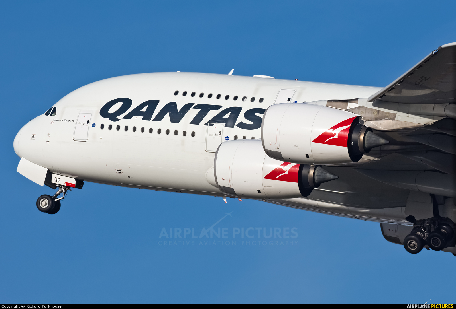 QANTAS VH-OQE aircraft at London - Heathrow