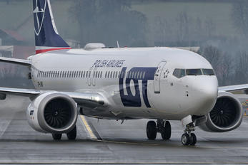 SP-LVB - LOT - Polish Airlines Boeing 737-8 MAX