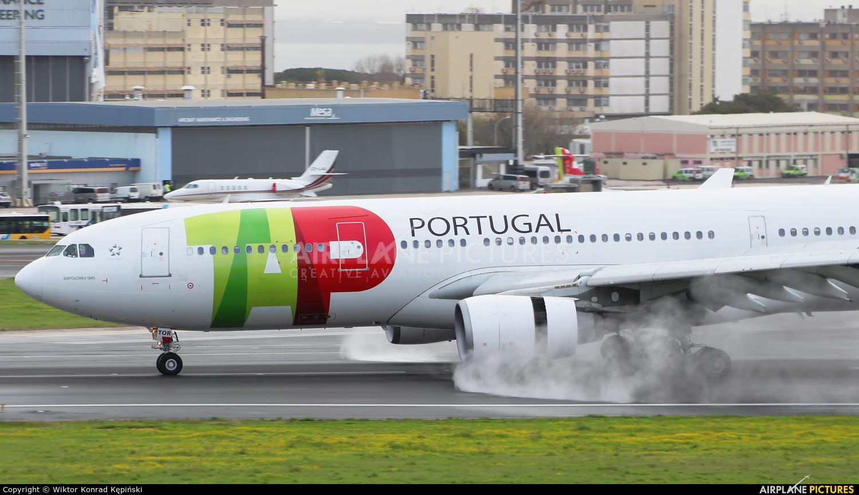 TAP Portugal CS-TOR aircraft at Lisbon