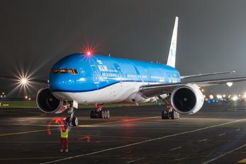 PH-BVS - KLM Boeing 777-300ER