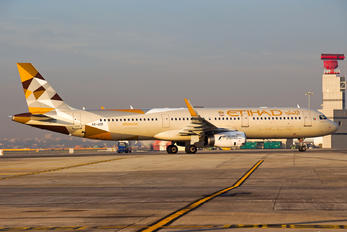 A6-AED - Etihad Airways Airbus A321