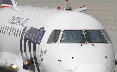 SP-LDG - LOT - Polish Airlines Embraer ERJ-170 (170-100)