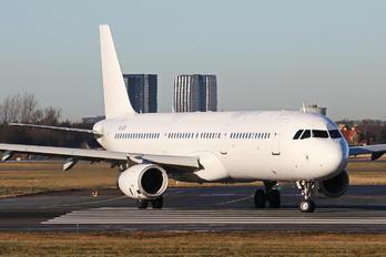 YL-LCV - SmartLynx Airbus A321