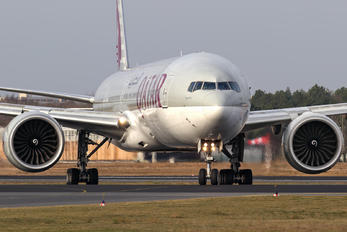 A7-BAQ - Qatar Airways Boeing 777-300ER