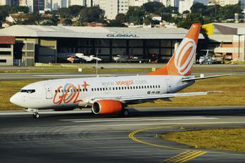 PR-GIM - GOL Transportes Aéreos  Boeing 737-700