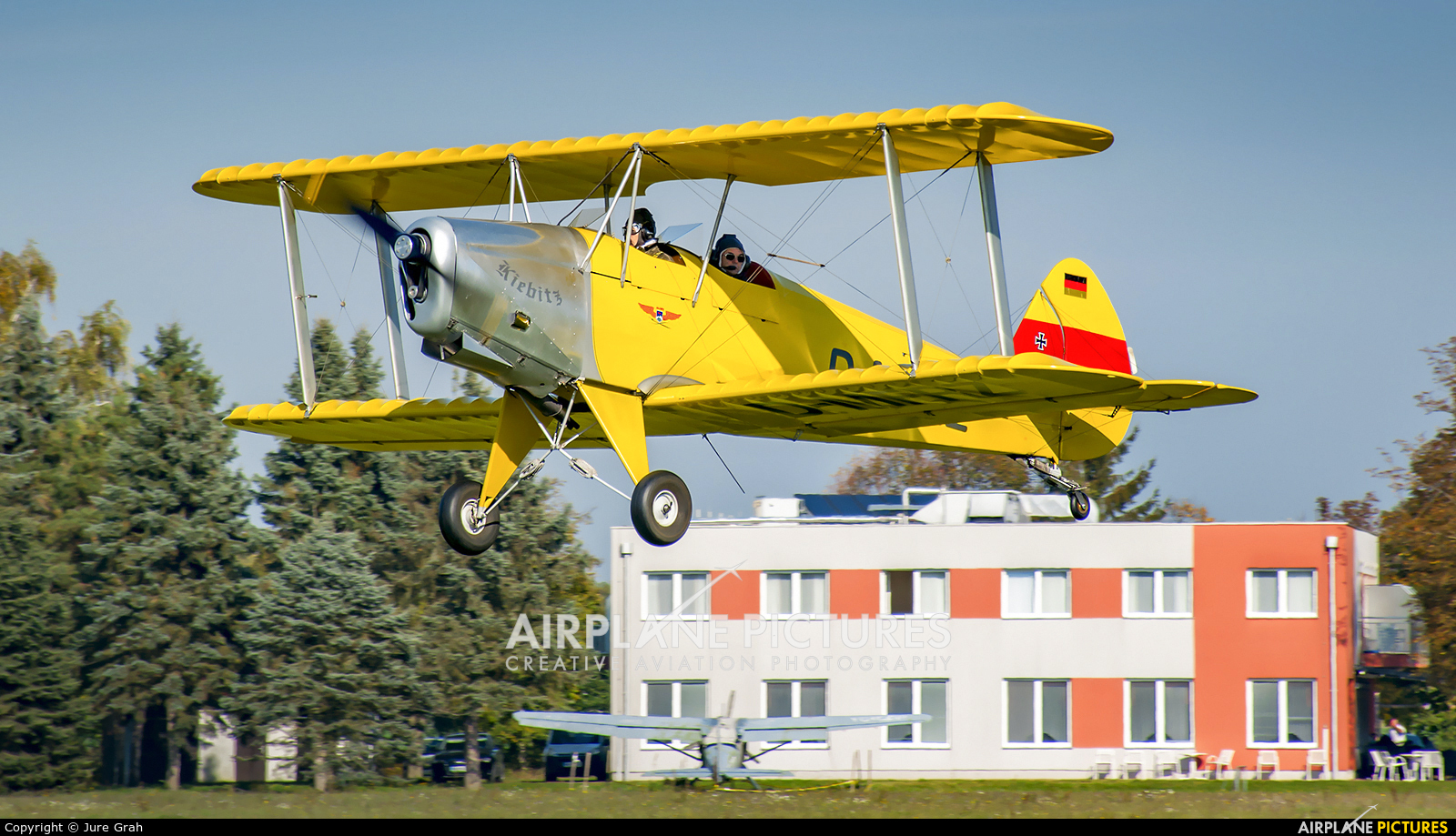 Private D-MFRZ aircraft at Murska Sobota