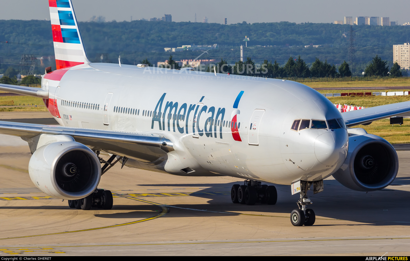 American Airlines N790AN aircraft at Paris - Charles de Gaulle