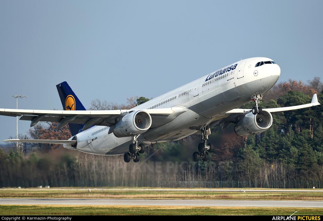 Lufthansa D-AIKN aircraft at Frankfurt