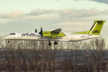 YL-BBT - Air Baltic de Havilland Canada DHC-8-400Q / Bombardier Q400