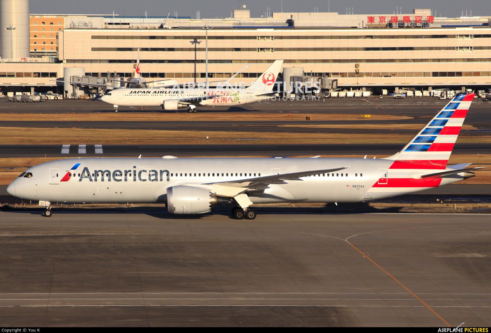American Airlines N825AA aircraft at Tokyo - Haneda Intl