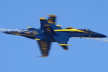 163462 - USA - Navy : Blue Angels McDonnell Douglas F/A-18C Hornet
