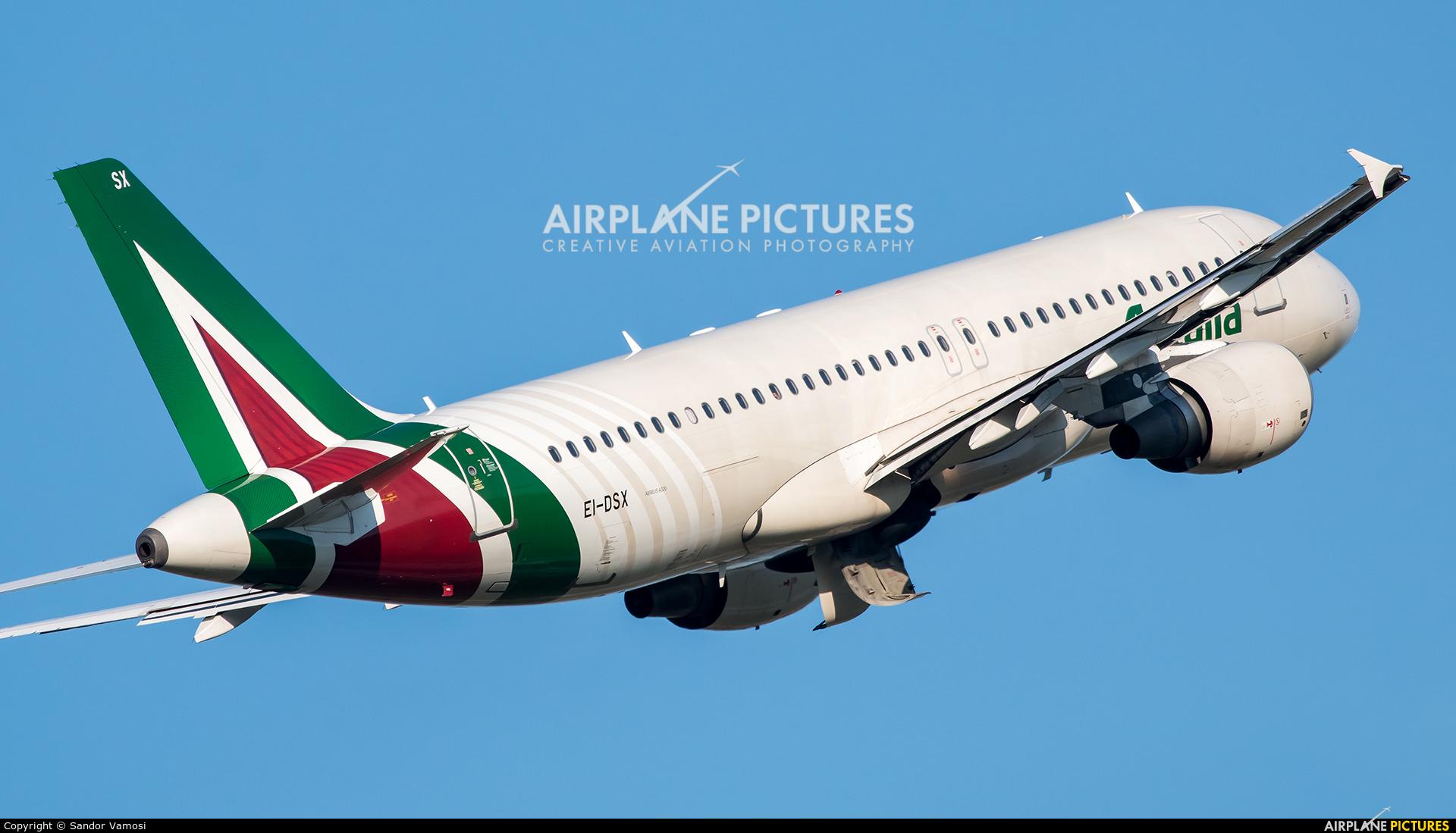 Alitalia EI-DSX aircraft at Budapest - Ferihegy
