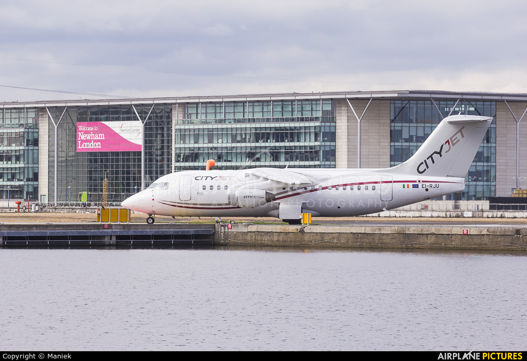 CityJet EI-RJU aircraft at London - City