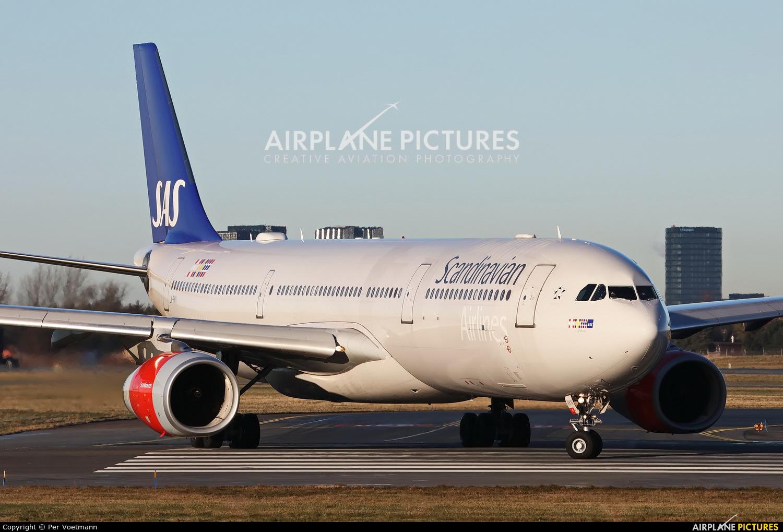 SAS - Scandinavian Airlines LN-RKN aircraft at Copenhagen Kastrup