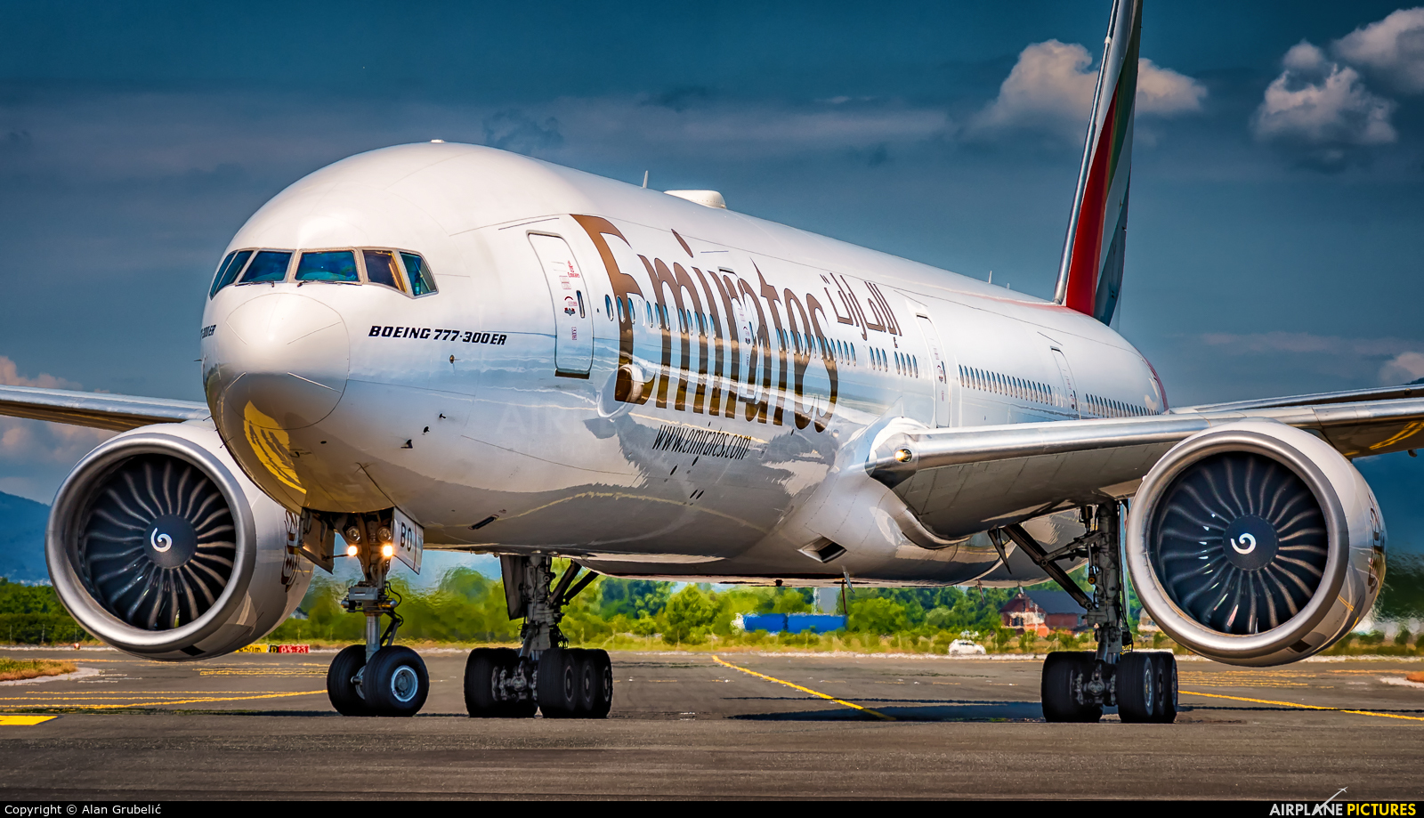 A6-EBO - Emirates Airlines Boeing 777-300ER at Zagreb | Photo ID