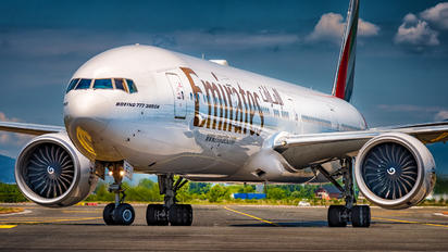 A6-EBO - Emirates Airlines Boeing 777-300ER