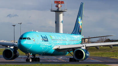 PR-AIU - Azul Linhas Aéreas Airbus A330-200