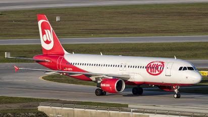 D-ABHH - Air Berlin Airbus A320