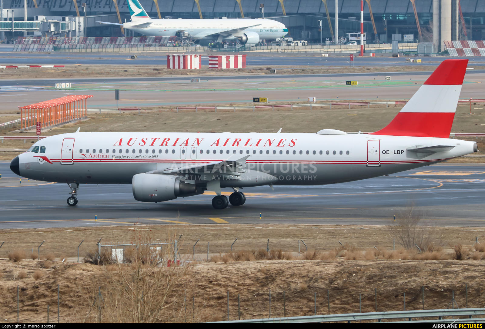 Austrian Airlines/Arrows/Tyrolean OE-LBP aircraft at Madrid - Barajas