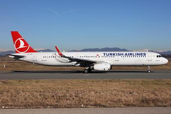 TC-JTL - Turkish Airlines Airbus A321
