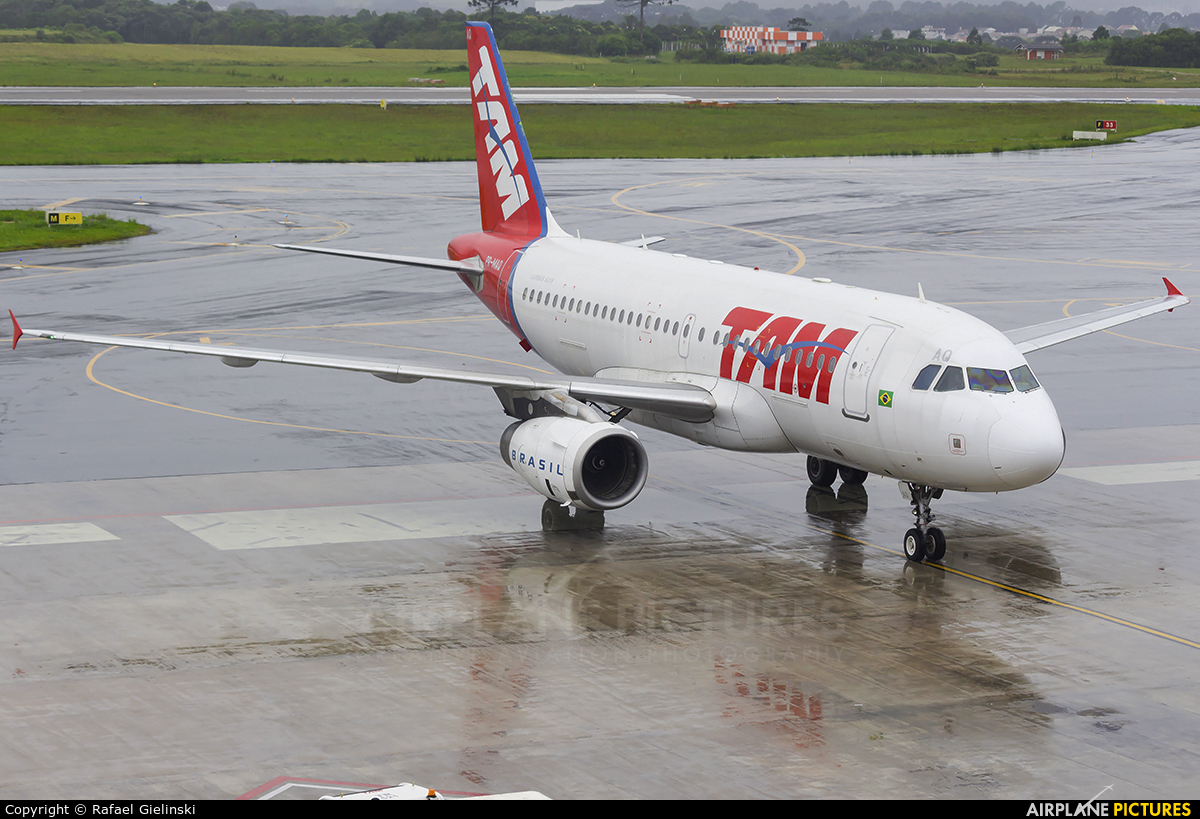 TAM PR-MAQ aircraft at Curitiba -  Afonso Pena