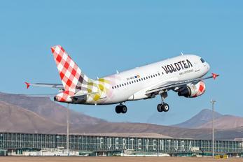 EC-MTD - Volotea Airlines Airbus A319