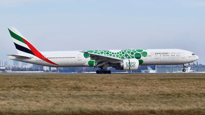 A6-EPU - Emirates Airlines Boeing 777-300ER