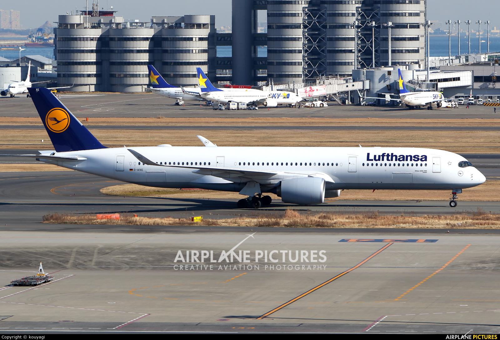 Lufthansa D-AIXE aircraft at Tokyo - Haneda Intl