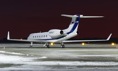 N233LT - Private Gulfstream Aerospace G-V, G-V-SP, G500, G550